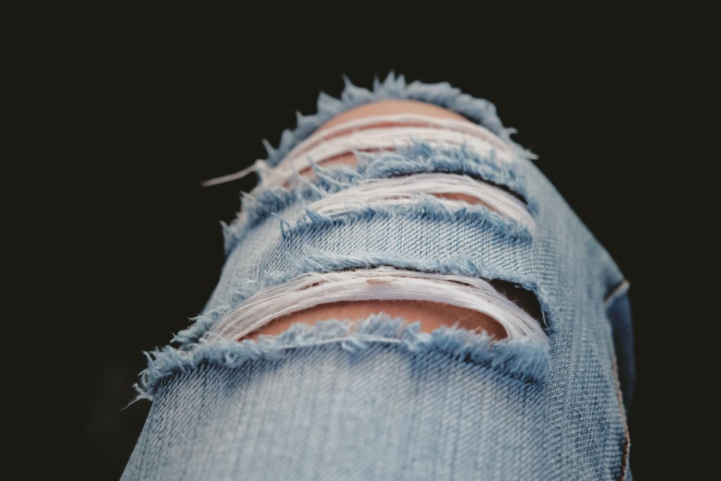 Ripped-Jeans-Dailyshirt